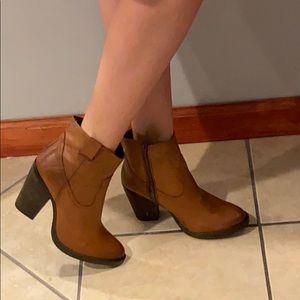 Musse $ Cloud brown leather cowgirl boots